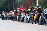 3585 Motorcyclists Phnom Penh.jpg