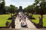 4297 Main path Angkor Wat.jpg