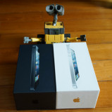 iPhone 5 Unboxing - 22 Sep 2012
