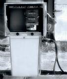 04 09 06, Old Gas Pump, Radiant filter, Nikon D50.jpg
