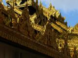 Entrance to Shwedagon.jpg