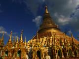Shwedagon at dusk.jpg