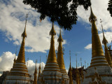 Kyaukhpyugyi Paya stupas.jpg