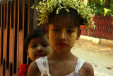 Thanaka girls.jpg