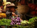 Market lady in Hsipaw.jpg