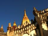 One of the bigger temples in Bagan.jpg