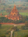 Balloons over Bagan 4.jpg