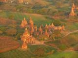 Balloons over Bagan 9.jpg