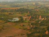 Balloons over Bagan 10.jpg
