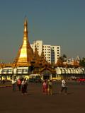 Sule Paya center Yangon.jpg