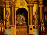 Golden decorations Shwedagon.jpg