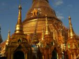 Golden Shwedagon at dusk.jpg