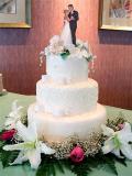 P4290039.jpg Wedding Cake & Bride and Groom Dancing