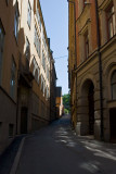 The narrow alley