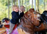 Phil Zoo Merry Go Round 02