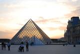 Musée du Louvre  (Louvre Museum)  / Paris, France