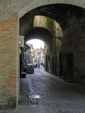 Under passageway from Via Garibaldi 8577a