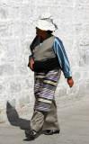 Women in traditional Tibetan apron