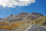 Good road leading up Karo-la Pass