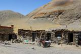 Tiny village set up to service tourists stopping at Karo-la Pass