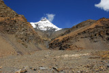 We were doing well on time, so I took a short hike towards Mt Nojin Kangtsang starting about 2 km west of Karo-la Pass