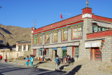 Gyantse pupils walking home from school