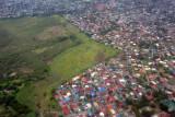 Las Pinas (Cavite) Philippines (N14.41/E121.00)