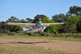 V5-JOG landing at Kayila