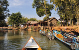 Arriving at the market town of Indein, around 6km by river from southwest of Ywama