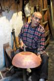 Pounding copper, Souq Al-Ghizdir