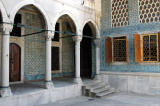 Passage from the Harem to the Favorites' Courtyard and Apartments