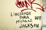 Barrio Alto graffiti Liberdade Para Michael Jackson