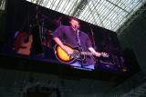 Blake Shelton on the HDTV screen