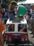 Het kleinste taxibusje ooit - inschikken