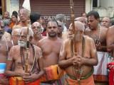 HH Thirukurungudi and Vanamamalai Jeeyar swamy in the Mangalasasana gosthi2.jpg