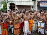PeyazhwAr mangalasasana goshti with Jeeyars and acharya purushas.jpg
