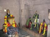 Azhagiya Manavalan and Azhagiya Manavala Maamunigal Moolavar.JPG