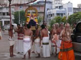 HH Sri Vanamamalai kaliyan ramanuja Jeeyar swamy after doing mangalasasanams to bhoodhathAzhvar.jpg