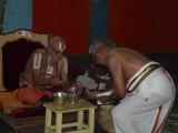 HH Kaliyan swamy offering sripAda theertham.jpg