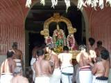 Parthasarathy getting inside DavanOtsava bangalow.jpg