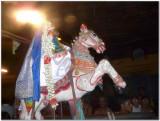Thirumangai mannan performing vEdupari1.jpg