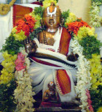 engalazhwan with nadadhur ammal at his divine feet.jpg
