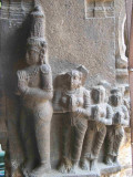 Dasaratha with his wives.jpg