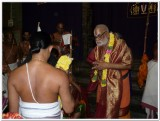 HH Sri Kaliyan Vanamamalai Ramanuja Jeeyar swamy receiving Parthasarathy perumal mariyadai.jpg