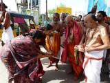 19-Opavarilla mAdargal of Thiruvallikeni taking Aarathi to HH2 (Large).JPG