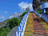 09 - Stairs to hill up.jpg