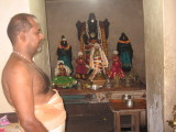 08-Chellappa DhEkshithar-Following the ChOzha nATtu SAthupadi style.jpg