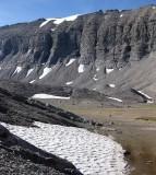 Michelle Lakes basin - Martina crossing the rver