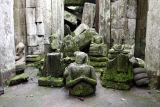 Headless Buddhas 304.jpg