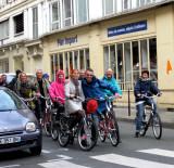 Sunday cyclists on rue Saint Antoine
